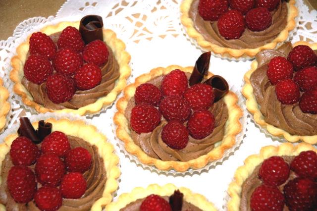 chocolate-raspberry-tartlets-ccc