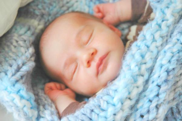 baby-sleeping-after-bath